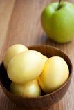 guld- äppleägg Arkivfoton