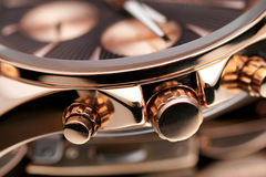 Guld- armbandsur royaltyfri bild