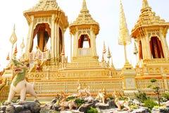 Guld av den kungliga krematoriet för HM den sena konungen Bhumibol Adulyadej på November 04, 2017 Royaltyfria Foton