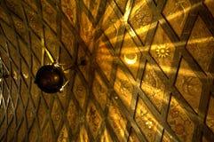 Guld- båge i den Montserrat kyrkan Royaltyfria Foton