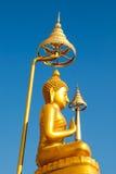 Guld- bild buddha i Thailand Royaltyfri Bild