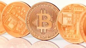 Guld- Bitcoins närbild Royaltyfri Foto