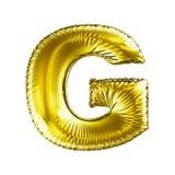 Guld- bokstavsG som göras av den isolerade uppblåsbara ballongen på vit bakgrund Fotografering för Bildbyråer