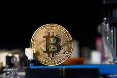 Guld- bräde för processor Bitcoin för elektronisk dator Arkivbilder