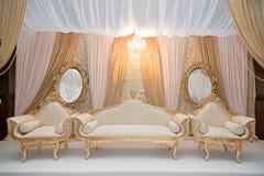 Guld- bröllopetapp Arkivfoto