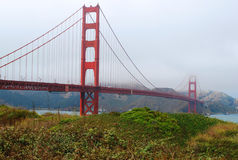 Guld- bro fotografering för bildbyråer