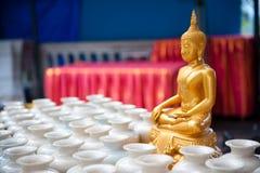 Guld- Buddha. arkivfoton
