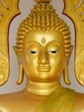 Guld- buddha för framsida staty Royaltyfri Fotografi