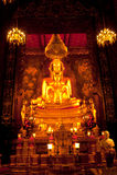 guld- buddha favorit Arkivfoton