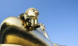 Guld- Buddha i guld- triangl Fotografering för Bildbyråer