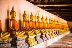 Guld- Buddha som sorteras på Wat Phutthaisawan Ayutthaya Thailand arkivbilder