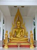 Guld- buddha staty Royaltyfri Fotografi