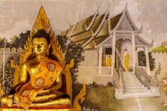 Guld- buddha statyer på Wat Doi Suthep Chiang Mai Thailand Fotografering för Bildbyråer