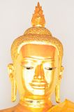 Guld- Buddhastaty i sommarklänningen (guld- Buddha) på Wat Pho Royaltyfria Bilder