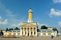 Guld- cirkel av Ryssland. Brandtorn (cent 19.) i Kostroma i den centrala (Susanin) fyrkanten Arkivfoton