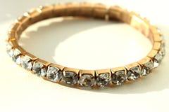 guld- cirkel för diamanter royaltyfri foto