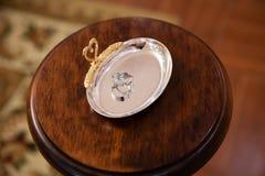 Guld- cirklar för koppling Royaltyfri Bild