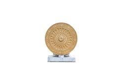Guld- Dharmachakra-/hjul av liv, Dhamma symbol i buddism som isoleras Royaltyfri Fotografi