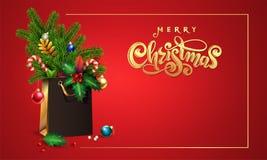 Guld- dragen vektorhand märka glad jul för text påse för shopping 3d, bukettgran, granfilialer, xmas-leksaker, färgrika bollar, arkivbild