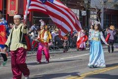 115. guld- Dragon Parade, kinesiskt nytt år, 2014, år av hästen, Los Angeles, Kalifornien, USA Royaltyfri Bild