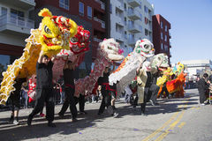 115. guld- Dragon Parade, kinesiskt nytt år, 2014, år av hästen, Los Angeles, Kalifornien, USA Arkivbilder