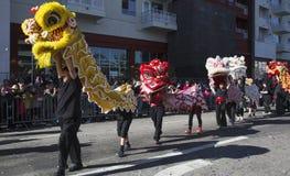 115. guld- Dragon Parade, kinesiskt nytt år, 2014, år av hästen, Los Angeles, Kalifornien, USA Arkivfoto