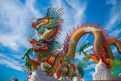 Guld- drake på himmelblått Royaltyfria Bilder