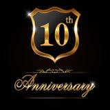 guld- etikett för 10 år årsdag, dekorativt guld- emblem för 10th årsdag stock illustrationer