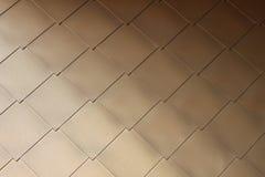 Guld-färgad metallvåg på modern byggande #3 Arkivbild