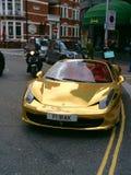 Guld- Ferrari Royaltyfri Foto
