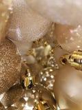 Guld- garnering för julträd Arkivfoto