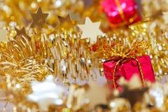Guld- glimtjulbakgrund Royaltyfri Fotografi
