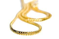 Guld- halsband 96 5 procent thailändsk guld- kvalitet som isoleras på vit Royaltyfri Fotografi