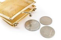 Guld- handväska med gammala europeiska mynt Royaltyfri Foto