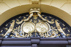 Guld- heraldiska symboler Arkivfoton