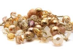 guld- hjärtaform för armband Royaltyfri Bild