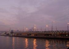 guld- horn för bro arkivfoto