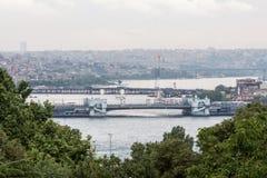 Guld- horn- Istanbul Arkivfoton