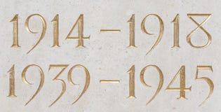 Guld- inskrift av åren av de två världskrigen Royaltyfria Foton