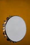guld isolerade tamburinen Royaltyfria Bilder