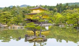 guld- jikinkaku Fotografering för Bildbyråer