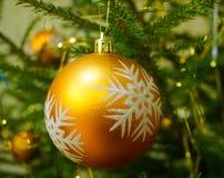 guld- jul Arkivfoto