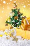 Guld- julgåva Arkivfoton