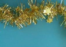 Guld- julgirland Time för xmas-garnering! fotografering för bildbyråer