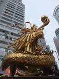 Guld- kinesisk drake Royaltyfri Foto
