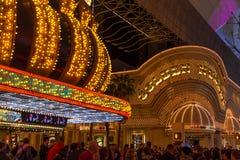 Guld- klumpkasino på Fremont gataerfarenhet, Las Vegas, Nevada Arkivfoto