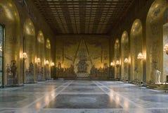 guld- korridor stockholm fotografering för bildbyråer