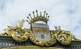 Guld- krona för prydnad Arkivfoto