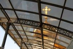 Guld- kupol av domkyrkan av Kristus frälsaren igenom Royaltyfri Fotografi
