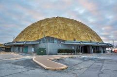 Guld- kupolhändelsemitt i Oklahoma City som är reko arkivbilder